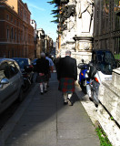 Scotsmen in quilts .. R9430