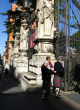 Scotsmen looking into the Palazzo Barbarini .. R9432