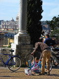 Bike adjustment on Il Pincio from Piazzale Napoleone  .. R9440