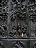 Duomo, door detail .. 1129