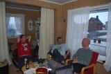 Kristoffer, Alaine och Niklas myser i värmen