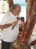Cuban carver at work
