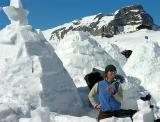 to built a igloo isn't easy ....