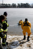20080108_bridgeport_conn_fd_ice_rescue_training_lake_forest_DP_ 057.jpg