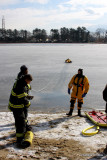 20080108_bridgeport_conn_fd_ice_rescue_training_lake_forest_DP_ 058.jpg