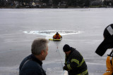 20080108_bridgeport_conn_fd_ice_rescue_training_lake_forest_DP_ 083.jpg