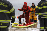 20080108_bridgeport_conn_fd_ice_rescue_training_lake_forest_DP_ 086.jpg