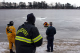 20080108_bridgeport_conn_fd_ice_rescue_training_lake_forest_DP_ 097.jpg