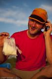 Anders hade fått med en rispåse utan bruksanvisning, kokningen kunde vi reda ut men öppna den krävde ett telefonsamtal...;-)
