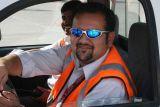 1638 3rd July 06 Blue Sunglasses Sharjah Airport.JPG