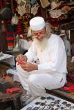 Man in bazaar moški na tržnici_MG_3989-11.jpg