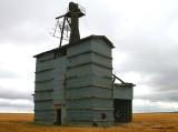 Wastella - Old studdes construction elevator - No rail service.