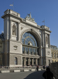 Monumental station