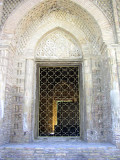 Bukara - the exquisite 10th Century Sumani Masoleum - doorway