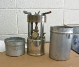 Coleman Model 530 One lunger stove.