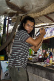 Busy bartender, Pai