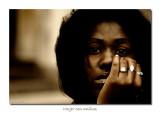 Mujer con anillos