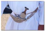 Omani con su daga en el Puerto de Masirah - Omani with his dagger in the port of Masirah