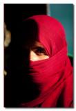 Mujer Omani cubierta en el ferry de Masirah - Covered Omani woman in the Masirah ferry