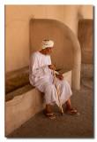 Anciano en el castillo de Nizwa - Elder in the castle of Nizwa