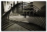 Escultura moderna  -  Modern sculpture in B&W