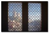 Palacio de los Papas a traves de cortina  -  The Pope's palace through the curtain