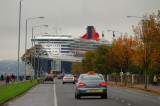 QM2 on the Clyde