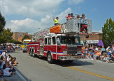 FIRE ENGINE IN THE 2009 NORTH CAROLINA APPLE FESTIVAL PARADE  -  ISO 80