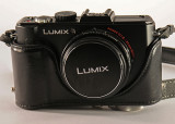 LX5 IN AN LX3 LEATHER CAMERA CASE - BOTTOM PART