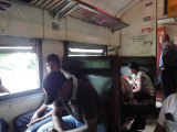 3rd class train bk to colombo...then home >.<
