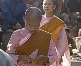 Mandalay, novice monks