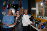 My former editor Leslie (left), along with her mother and daughter, Cari, preparing Thanksgiving feast in Camino, Calif.