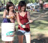 Volunteer trash-picking sisters