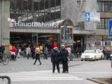 Hauptbahnhof - Lady officers