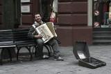 the happy beggar.