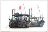 FISHING BOAT on the HOANG HO(YELLOW RIVER)