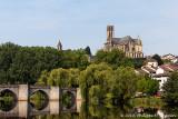 Le pont médiéval de Saint-Etienne et la cathédrale