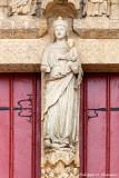 La Vierge écrasant le Mal - Trumeau du portail de la Mère-Dieu