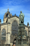 Duke of Buccleuch Statue and St Giles Cathedral.jpg