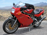A few photos of Ed's Ducati...