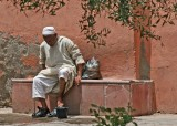 Washing before entering Mosque