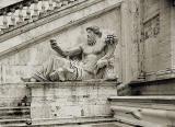 Capitole0222140405AV.jpg