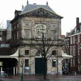 De waag (the house where the weighing of goods took place).