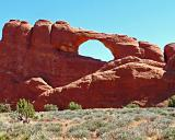 Arches Ntnl. Park, Utah - Skyline Arch