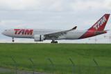 TAM Airbus A330-200 PT-MVG Signatures