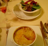 Café de la Paix's soupe a l'oignon gratinée