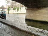 Catherine jumps into the Seine from Port de Montebello