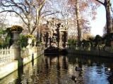 Fontaine de Medicis - Ducks - Jardin du Luxembourg