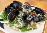 mussels pasta.JPG