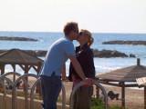 P1020551_couple kissing.JPG